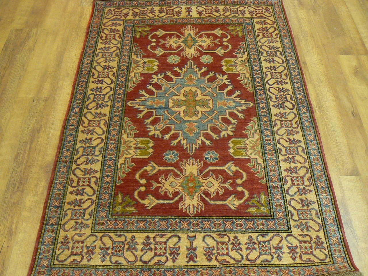 Buy Kazak Rugs In Dubai Abu Dhabi Across Uae Carpetsdubai Com